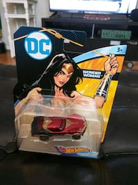 DC Poison Ivy/Wonder Woman Hot Wheels car set Gaithersburg, 20886