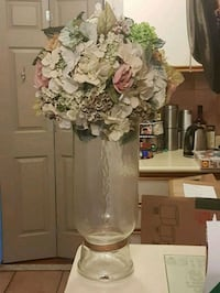 "Gorgeous  28"" kissing  ball vase Whitby, L1N 8X2"