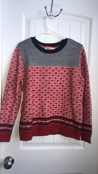 red, white, and gray crew-neck sweater Holly Ridge, 28445