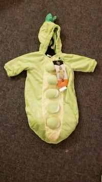 O-6 month pea in a pod baby costume Honolulu, 96814