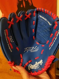 *NEW* Youth Lefty Baseball Glove for $5