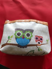white and green owl print pouch El Monte, 91732