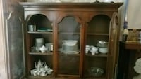 Large Woiden China Cabinet St. Louis, 63118