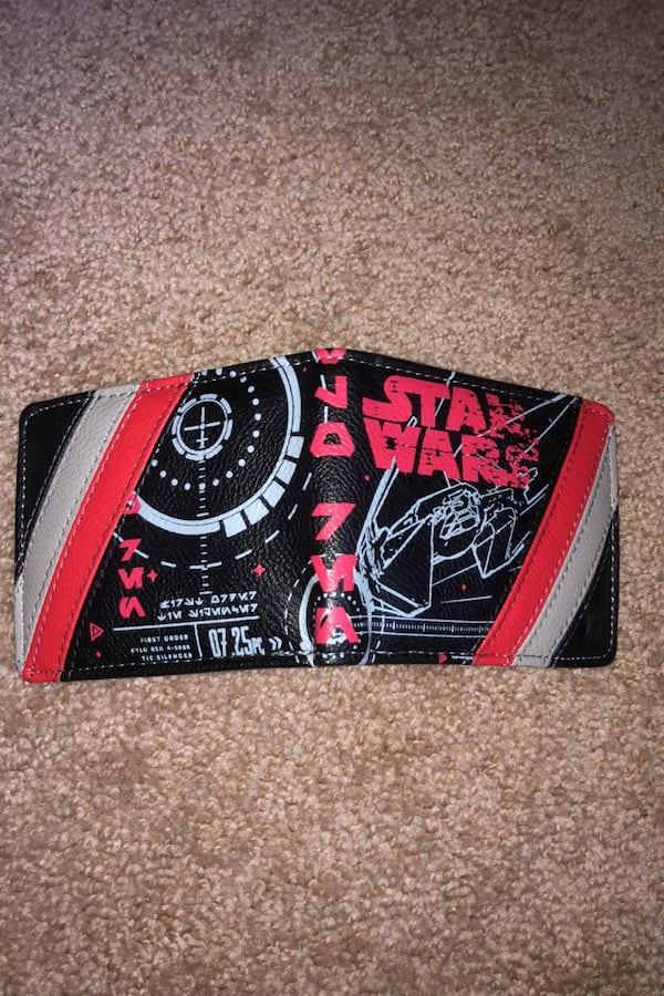 Star Wars Wallet 8b5be519-c13b-4a8d-b0d3-7d8d6b1b7d1d