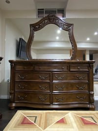 Dresser and mirror combination Markham, L3S 3P7