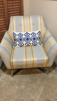 white and brown wooden armchair Fayetteville, 78940