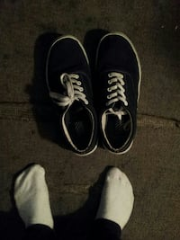 black-and-white low-top sneakers Winnipeg, R2W 1T2