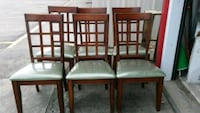 6 chairs and a table few scratches and dings Vidor, 77662