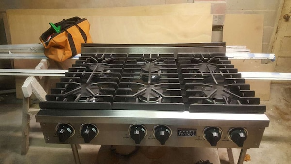 Used Black And White 4 Burner Gas Stove For Sale In Atlanta