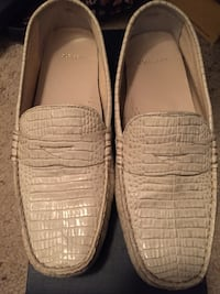 Pair of white leather loafers Albuquerque, 87121