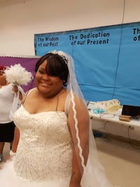Vera Wang one to one replica plus size wedding gown!!!!! Oxon Hill, 20745