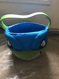 blue and green pet carrier Woodbridge, 22191