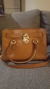 New michael kors bag Mississauga, L5A 4A3