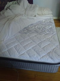 Double Mattress available for Pickup in Christie Toronto, M6G 2Z6