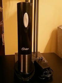 ELECTRIC OSTER WINE OPENER WITH RECHARGEABLE BASE Medford