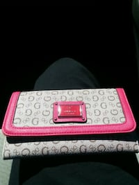 Guess pink and grey purse Gaithersburg, 20877