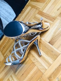 High heel party sandal size 8 Toronto, M1P 4T1