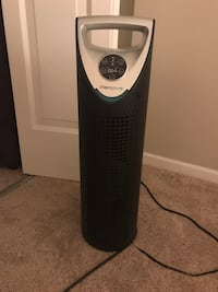 Silent Air purifier with UV light only used twice Arlington, 22202
