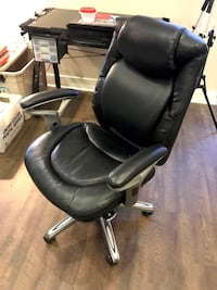 LEATHER EXECUTIVE OFFICE CHAIR Los Angeles, 91364