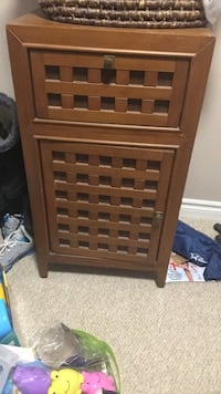 Night stand - excellent condition has matching entertainment unit. Selling as a set Brampton, L6S 1X5