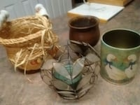 Brown Clay and candle decor small basket with cera Kelowna, V1X 7Z6