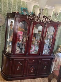 Dinning table and China cabinet/Hutch Toronto, M1P 1T7