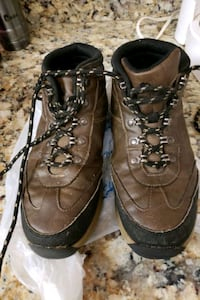 Ozarks Trail Boys 6 Hiking Boots