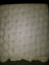 white and gray floral mattress Hagerstown, 21740