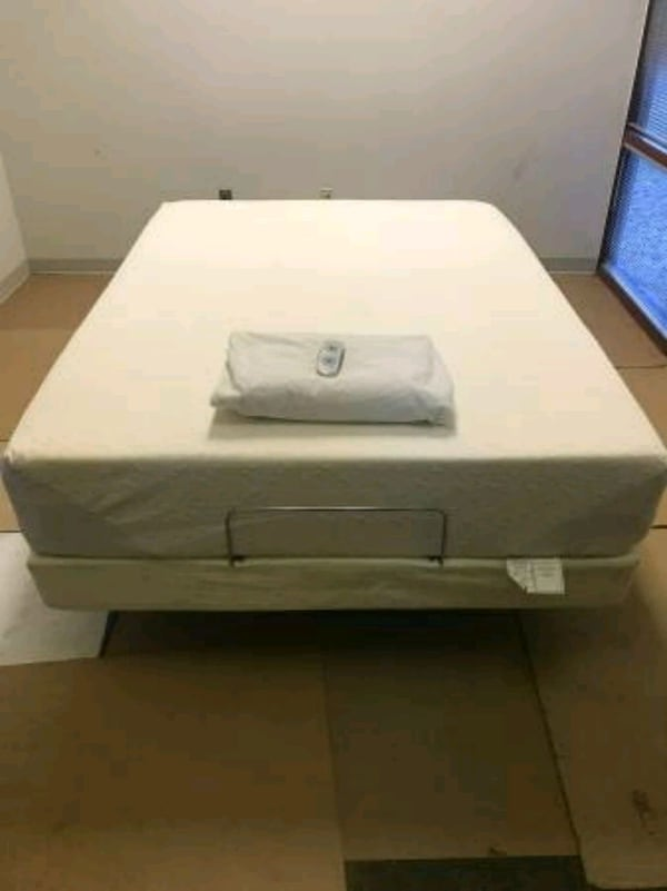 Hospital bed ... Queen size  temporpedic  4760177a-6147-48c0-844c-2b66dae3c6ee