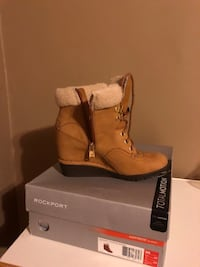 Rockport mountain bootie wedge size 5 (new)