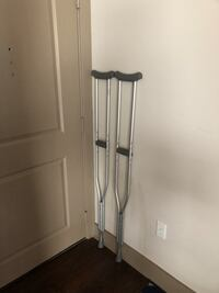 Scooter and crutches in excellent condition Herndon, 20171