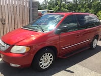 Chrysler - Town and Country - 2001 Glen Allen, 23059