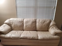 Leather sofa-Move out sale must go before sunday 19th Jan Herndon, 20171