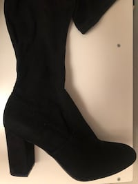 unpaired black suede heeled boot Irving, 75062