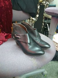pair of black leather boots Edmonton, T5L 0S3