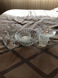 Assorted Glass serving dishes North Vancouver, V7L 3M3
