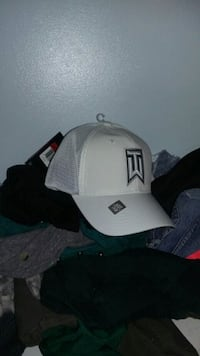 Nike tiger woods hat never worn  Vancouver