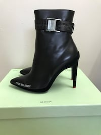 Brand New Off-White Women Black Ankle Boots Size 6 Toronto, M1T 1G7