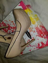 Womens shoes ,  size 8, color nude