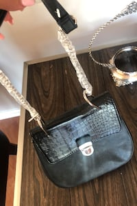 Cross body bag  Markham, L3T 7N2