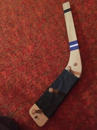 Ec hockey stick wall hanger pu Brampton xposted