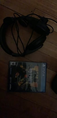 Black ops 4 and headset  Milwaukee, 53210