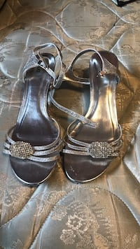 Pair of silver leather open-toe heeled sandals Vaughan