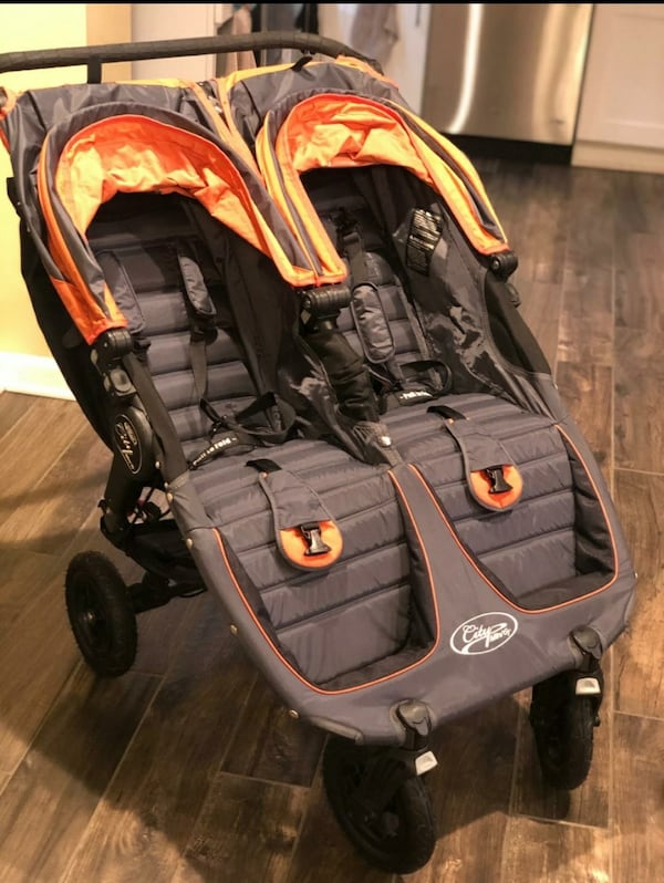 Double stroller in excellent condition (City Mini GT) 9d76a9d2-1f0e-48ab-a561-418dee56a593
