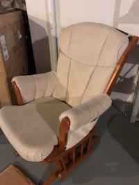 Cream padded Glider like new! Sterling Heights, 48312