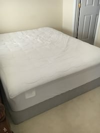 Queen size Mattress and boxspring 비엔나, 22182
