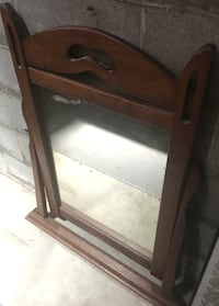 Mirror / vintage maple frame. Size 32 wide base x 39.5 tall Columbus