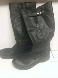 black leather side-zip riding boots Calgary, T3J 3J1