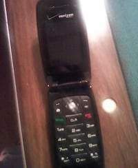 black verizon flip phone