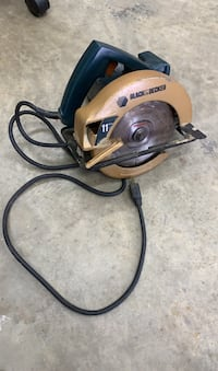 Black & Decker Saw. Great condition, very robust!